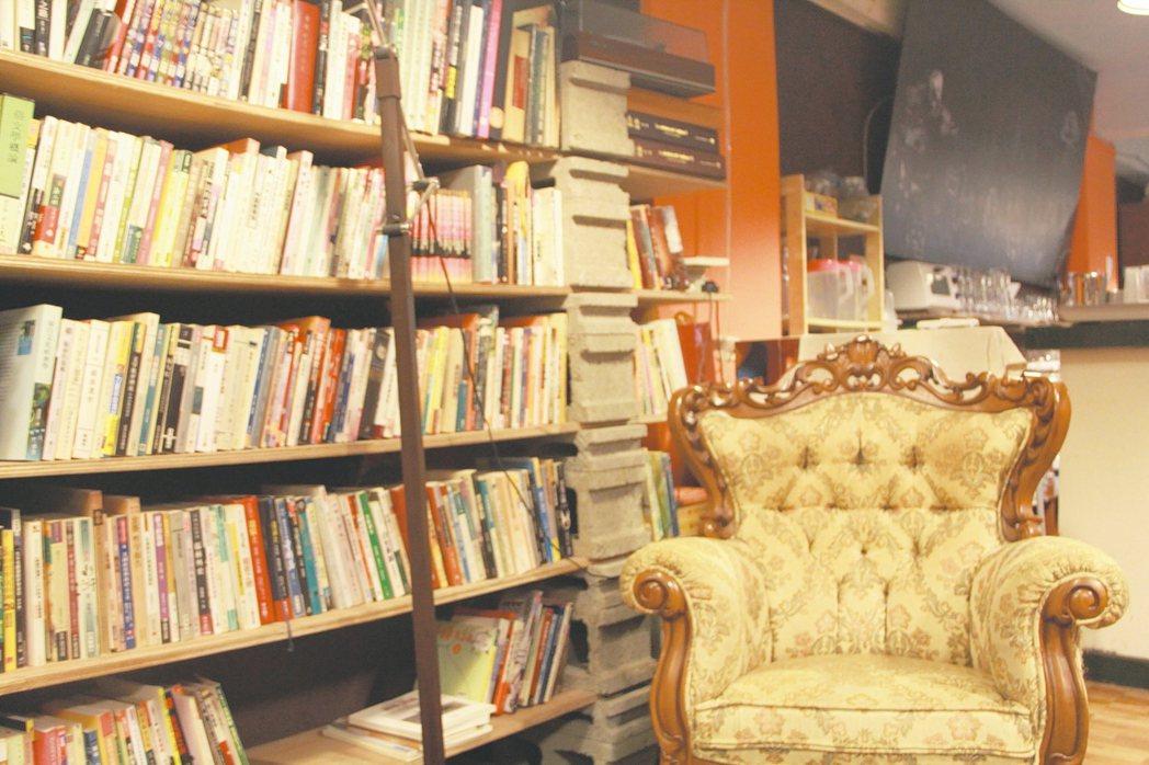 書店一隅。 圖/添翼創越工作室、夢田文創