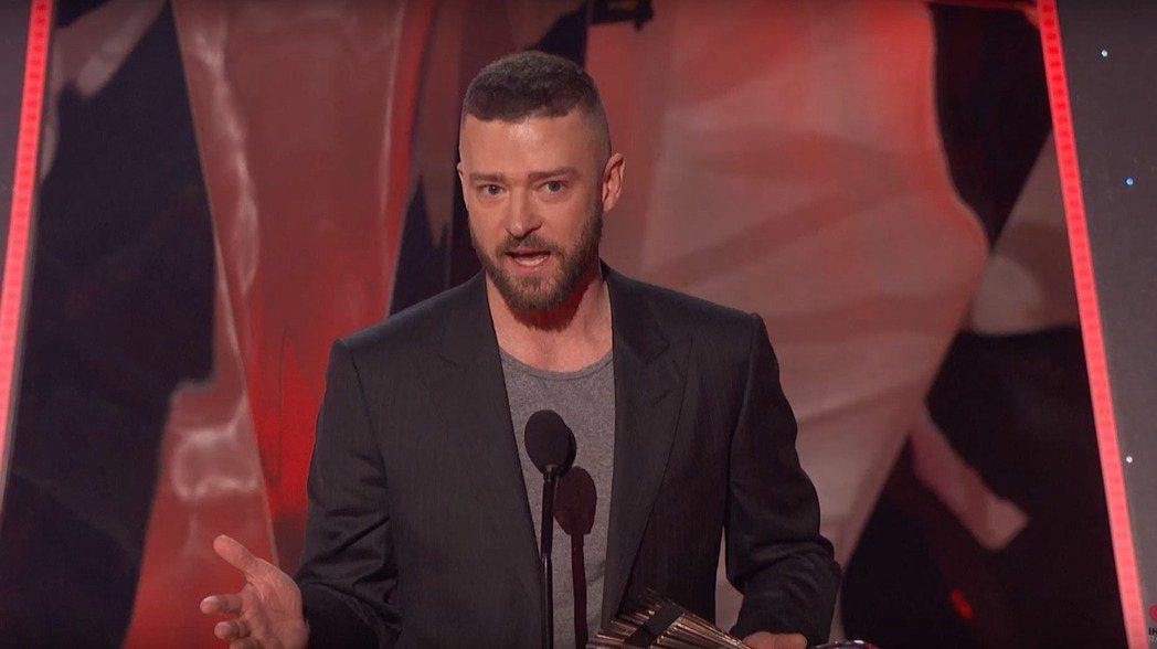賈斯汀在iHeartRadio音樂獎抱走年度歌曲獎。 圖/擷自YouTube