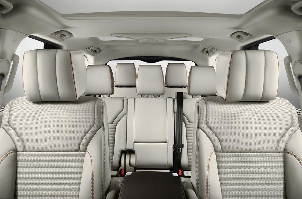 新Discovery 全尺寸 7 人座空間。 Jaguar Land Rover...