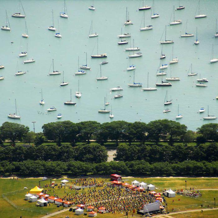美國密西根湖畔。圖翻攝自Bored Panda網站。
