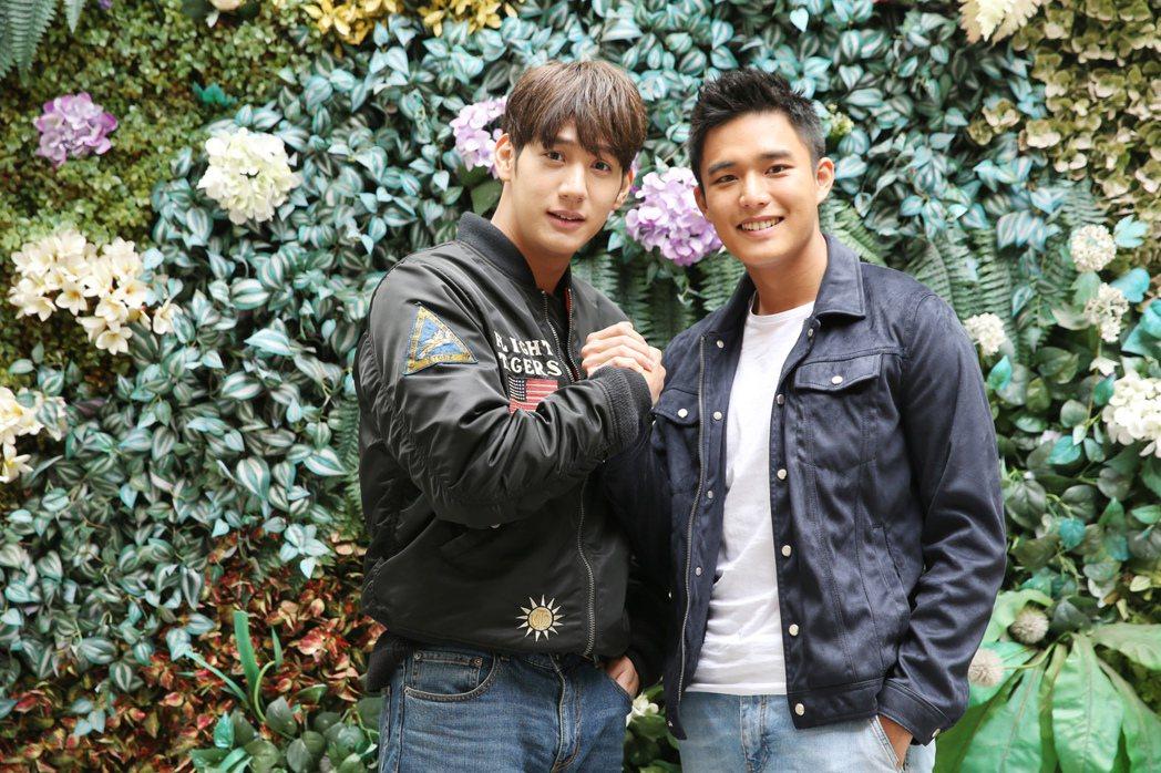 黃仁德(左)、安俊朋(右)專訪。記者徐兆玄/攝影