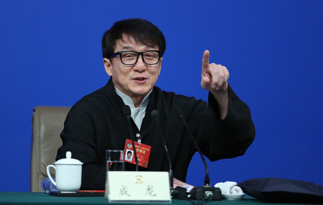 3月7日,中國大陸全國政協十二屆五次會議在北京梅地亞兩會新聞中心召開「政協委員談