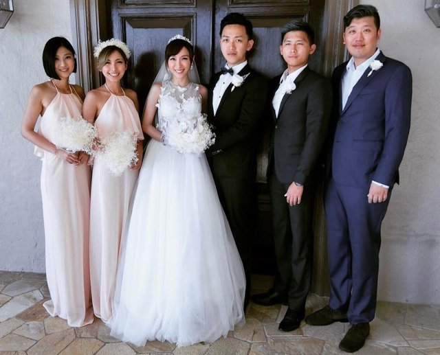 張宇(左三)和老公劉彥谷在夏威夷舉行小型婚禮。圖/摘自張宇IG