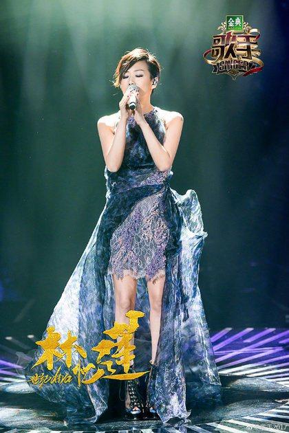 林憶蓮曾在節目演唱五月天的「盛夏光年」。圖/摘自微博