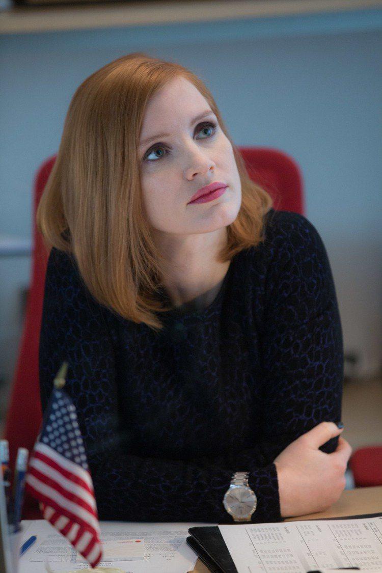 伯爵代言人潔西卡雀絲坦在新作「攻敵必救」裡飾演政治說客。圖/海樂影業提供