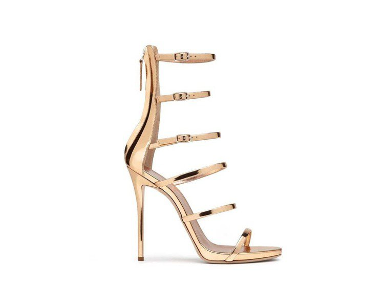 Giuseppe Zanotti高跟鞋奢華絕美,氣勢不凡。圖/迪生提供