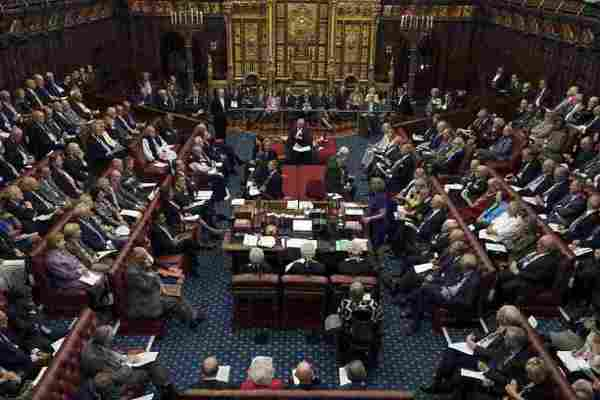 英上院拒脫歐案 梅伊政府再挫敗
