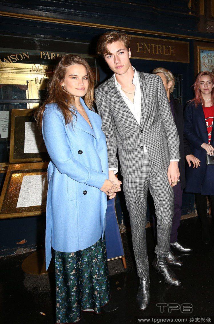 Lucky Blue Smith(右)與女友 Stormi Bree Henle...
