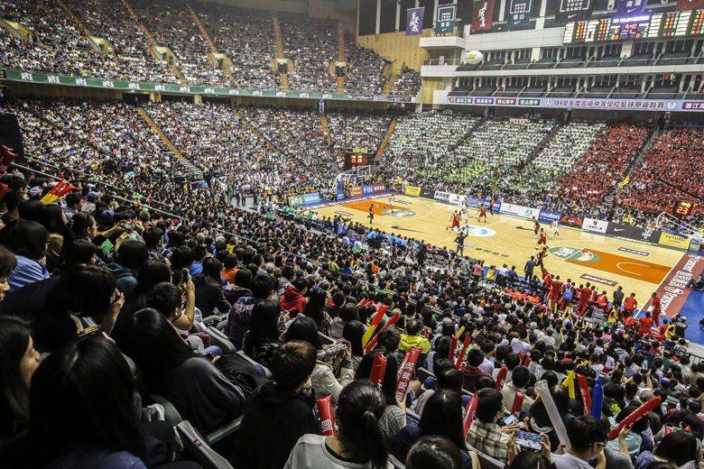 每一年HBL冠軍賽,台灣籃球開啟了我們自己的三月瘋,但為何在台灣的籃球熱潮最高溫...