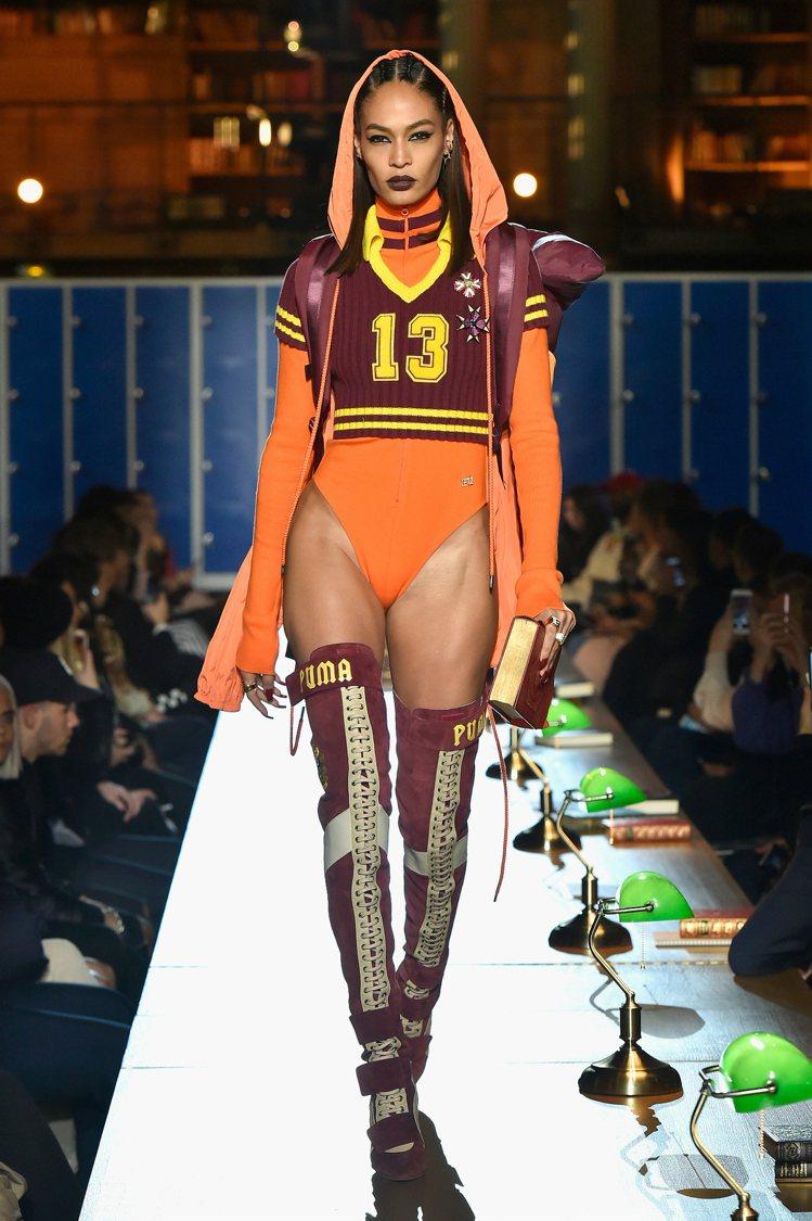 蕾哈娜與PUMA聯名新裝融入運動元素,充滿叛逆時尚。圖/PUMA提供