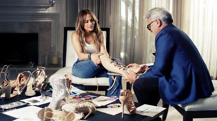 翹臀珍與Giuseppe Zanotti合作聯名鞋款,正式在台上架。圖/迪生提供