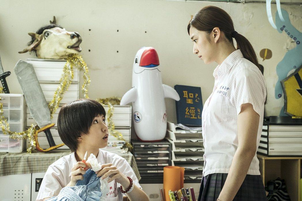 郭書瑤(左)、謝翔雅二度在戲中演情敵。圖/HBO Asia提供