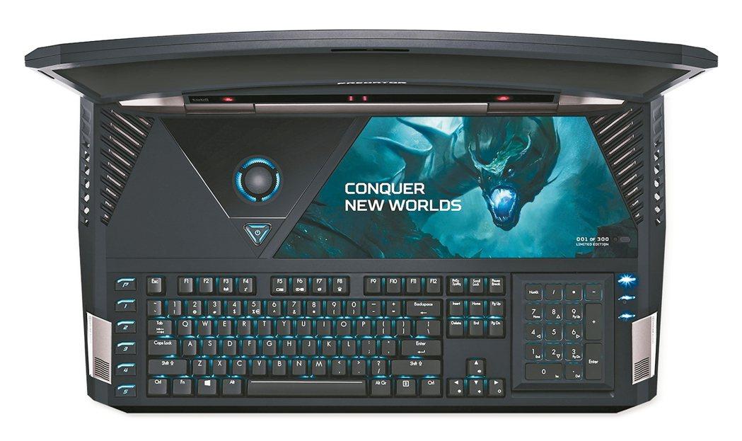 數字鍵盤翻過來是觸控板。21吋曲面螢幕。透視效果的散熱風扇。全尺寸背...
