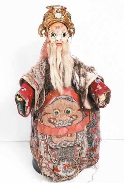 有上百年歷史的三國演義蔡陽戲偶。 記者蘇健忠/攝影