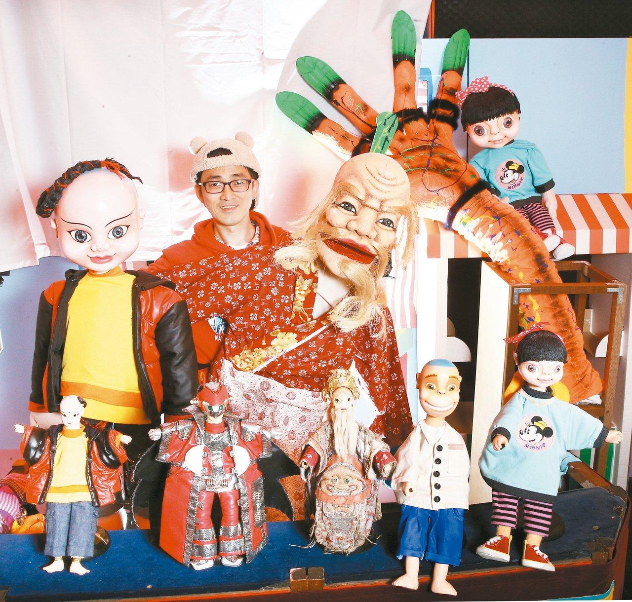 戲偶子劇團走混搭路線,同一齣劇碼會出現傳統戲偶、穿戴式魁儡和執頭偶同時演出,甚至...