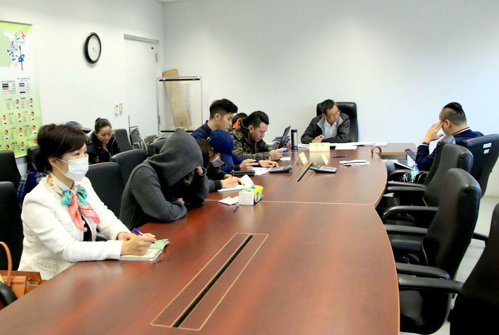 此次爆出勞動糾紛的學生實習案件首次舉行調解會,資方卻未派代表出席。 圖/報系資料...