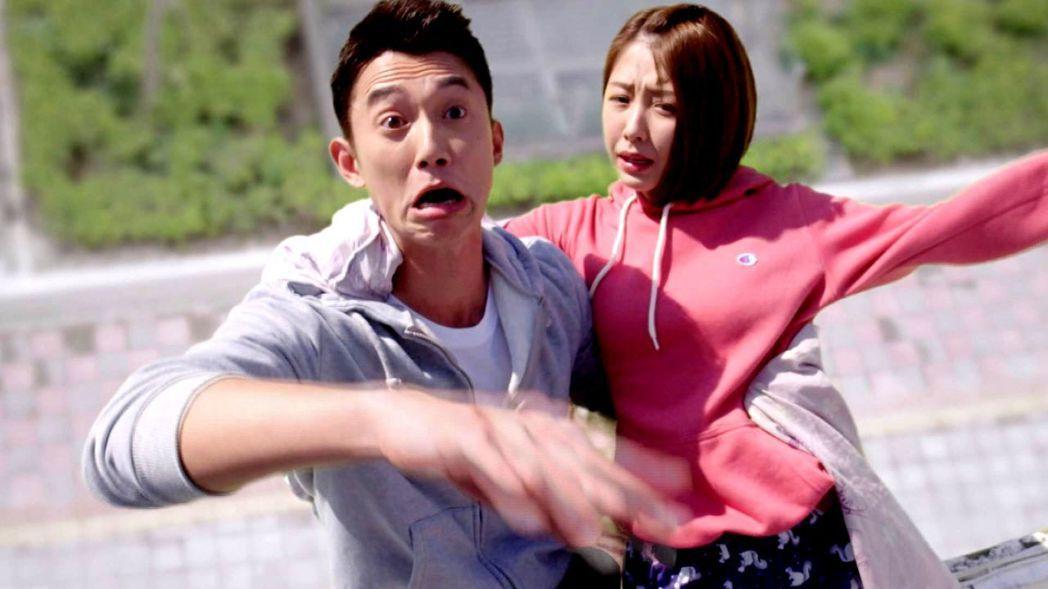 吳慷仁(左)和邵雨薇在戲中頻鬥嘴。圖/三立提供