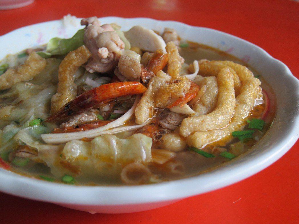 萬丹飯湯以用料豐富、氣味濃郁聞名。本報資料照