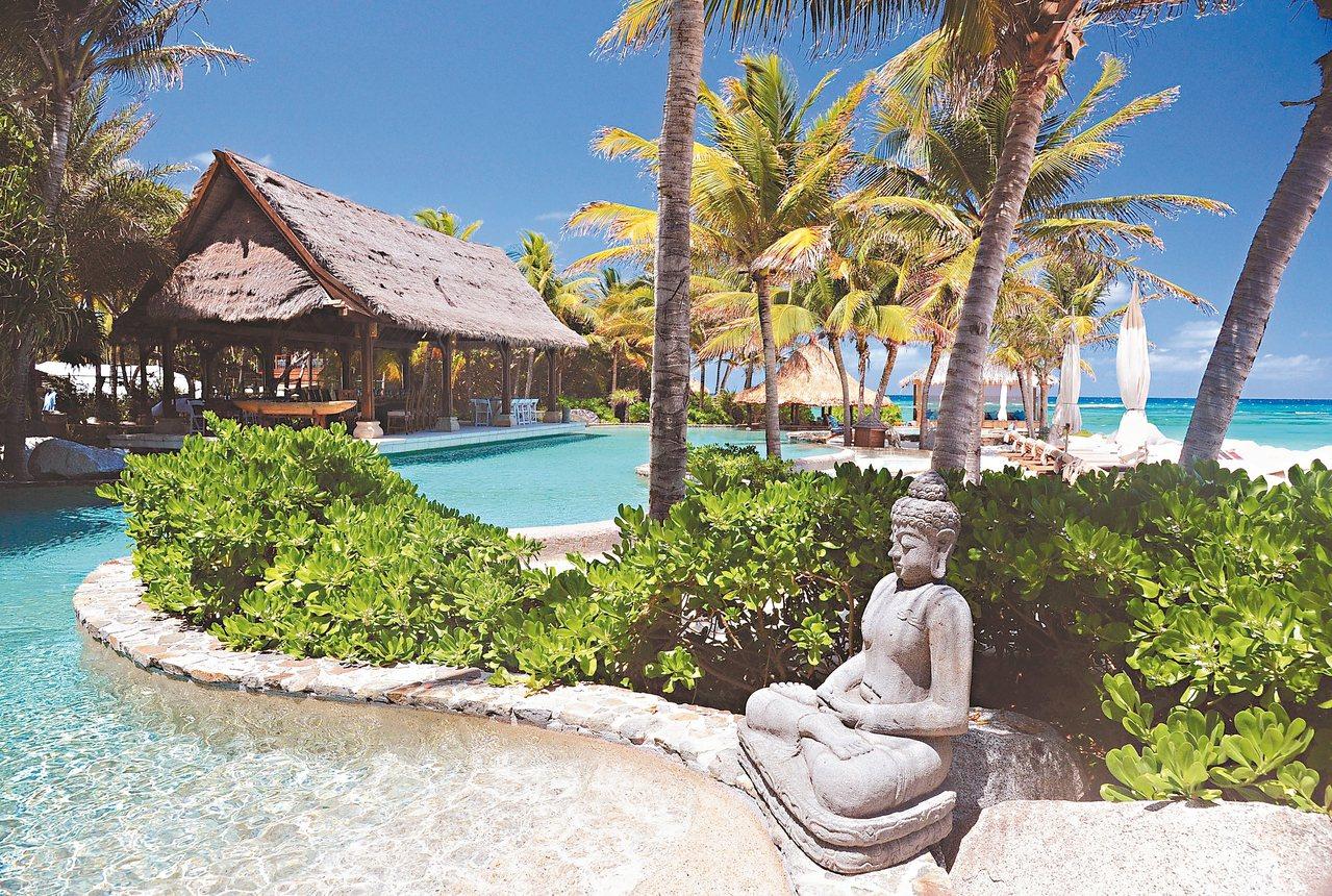 布蘭森在加勒比海的內克島上建造豪華度假村。 美聯社
