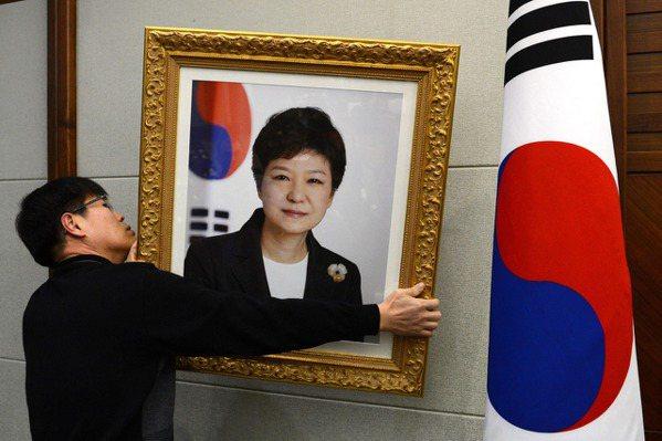 南韓首位彈劾下台民選總統 朴槿惠5點爭議整理