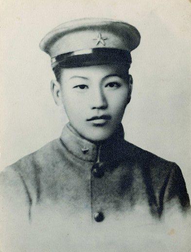 東京振武學校生徒時的蔣介石。 圖/取自維基共享