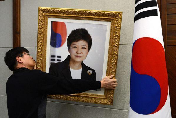 【重磅快評】朴槿惠任命的法官為何一致決定罷免她?