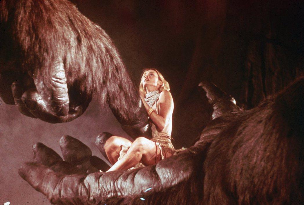 潔西卡蘭芝在「大金剛」中尺度比舊版女主角開放不少。圖/摘自imdb