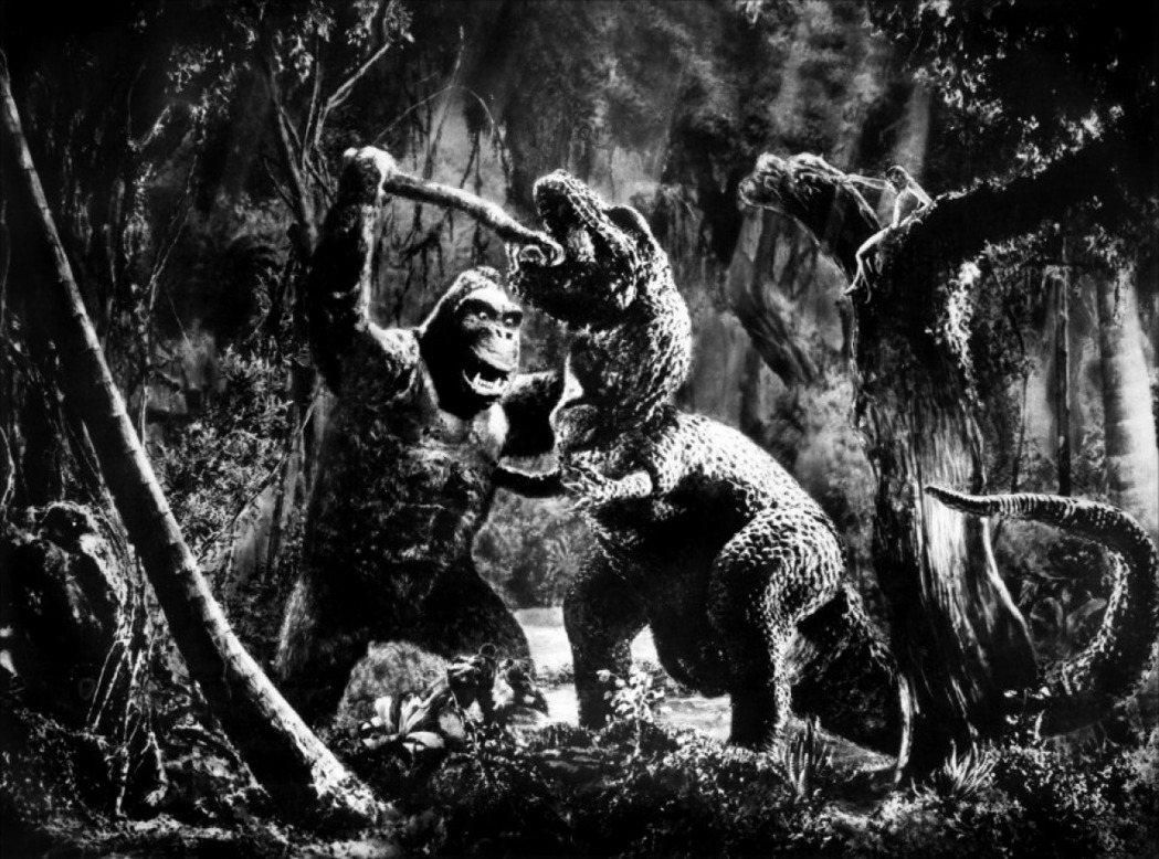 黑白原版「金剛」中已有怪獸對打的畫面。圖/摘自imdb