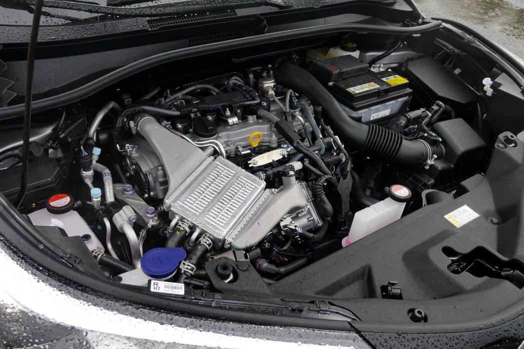 C-HR搭載全新1.2L渦輪增壓引擎。 記者陳威任/攝影