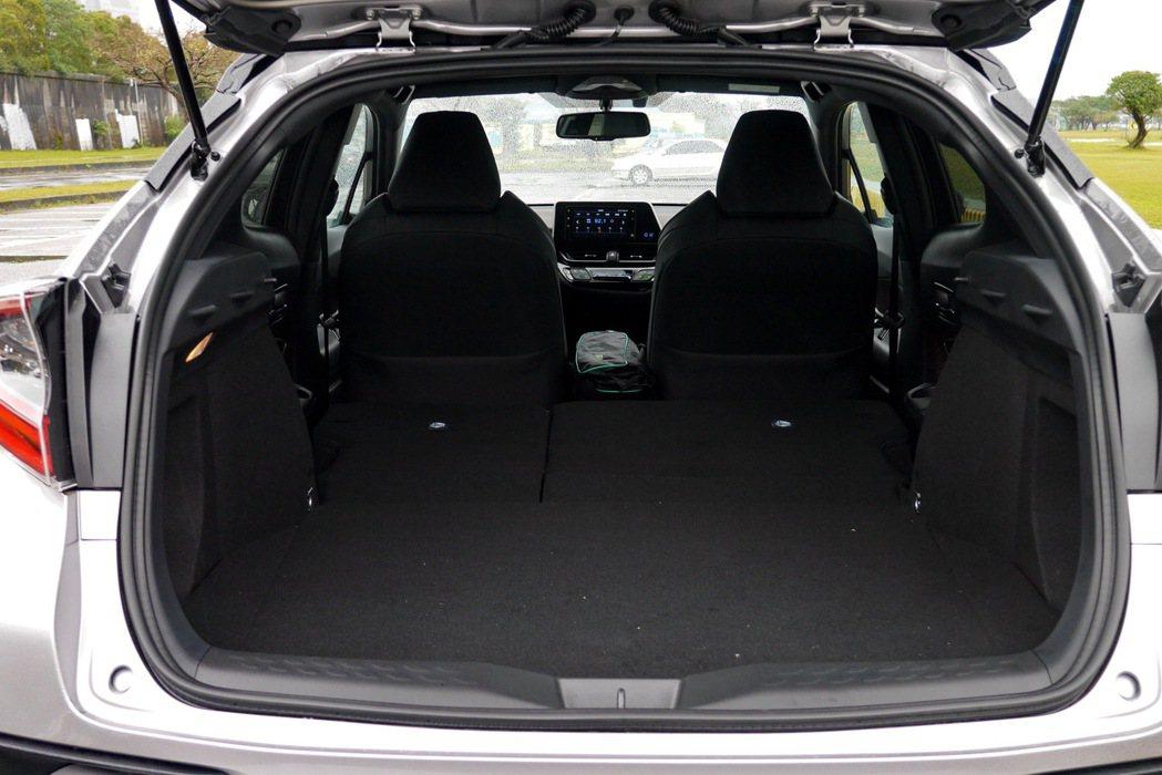空間表現以同級車而言,算是相當不錯的。 記者陳威任/攝影