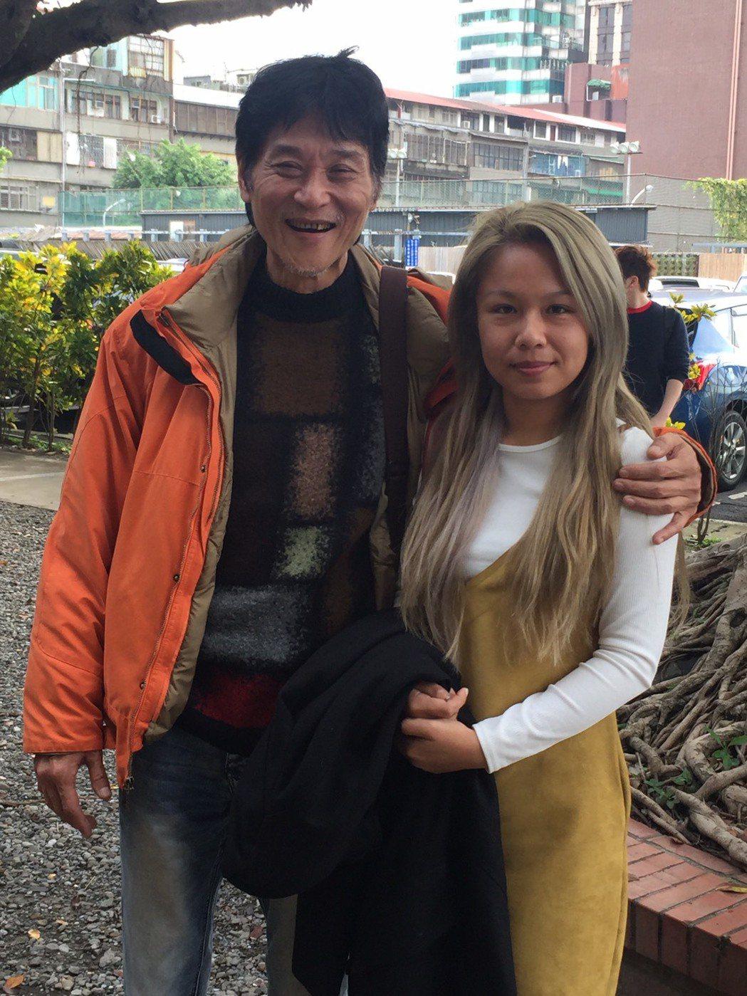 喜翔出席新戲活動,小36歲女友愛相隨。圖/公視提供