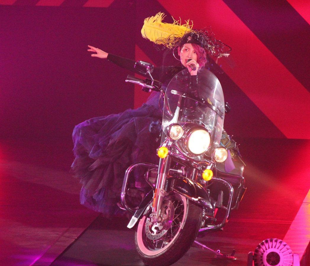 魏如萱11日晚在高雄巨蛋開唱。圖/大大娛樂提供