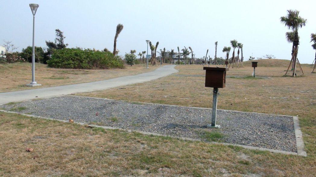 高雄市觀光局規畫的旗津汽車露營區,已完成營區基礎設施。記者楊濡嘉/攝影