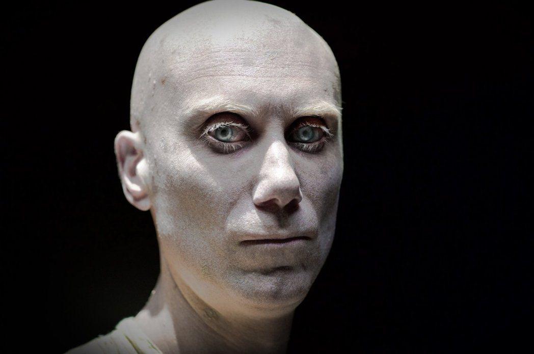 「羅根」的卡利班則由男星Stephen Merchant出演。圖/摘自推特