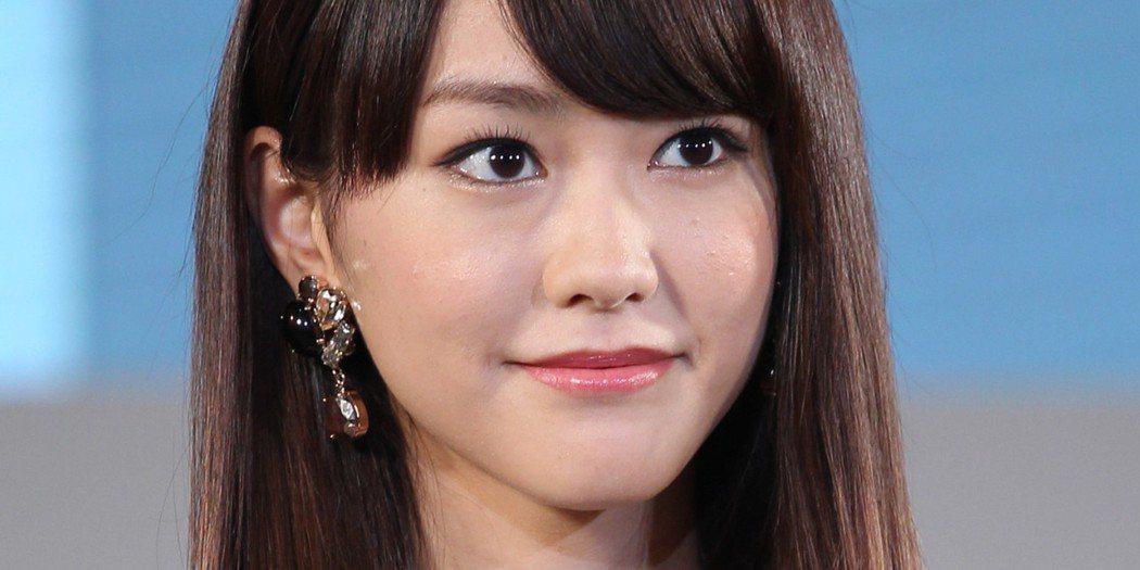 平常時的桐谷美玲臉上偶有小痘痘但瑕不掩瑜。圖/摘自huffingtonpost