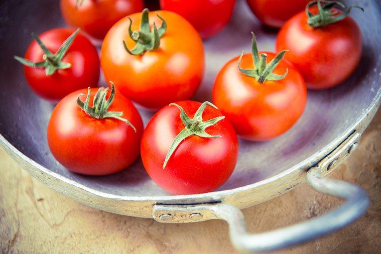 吃蕃茄,對於男、女性都有良好的保健效果。 圖片/ingimage