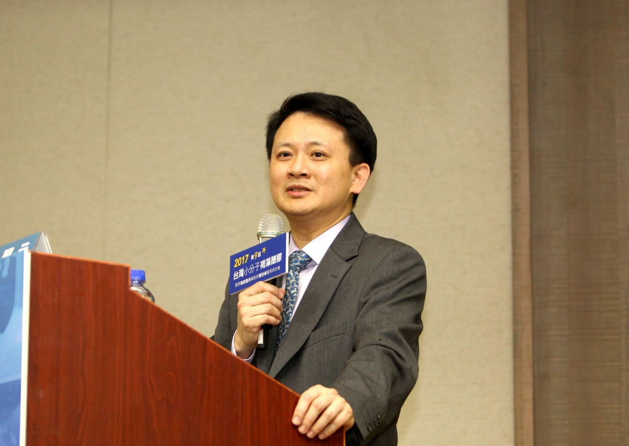 高雄醫學大學附設醫院副院長王照元。 台灣褐藻醣膠發展學會/提供