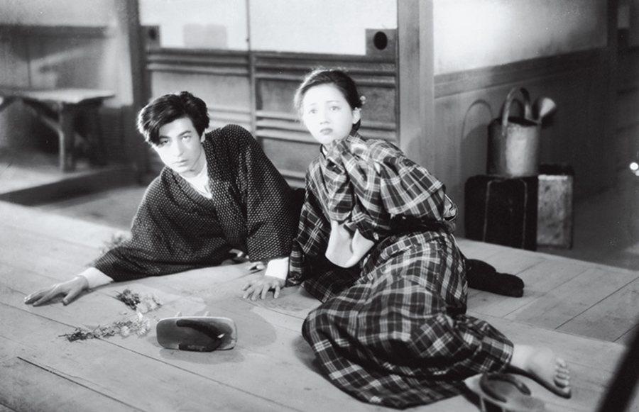 文學家島崎藤村的小說《破戒》裡,就敘述著主人翁瀨川丑松(左,池部良飾)意圖擺脫部...