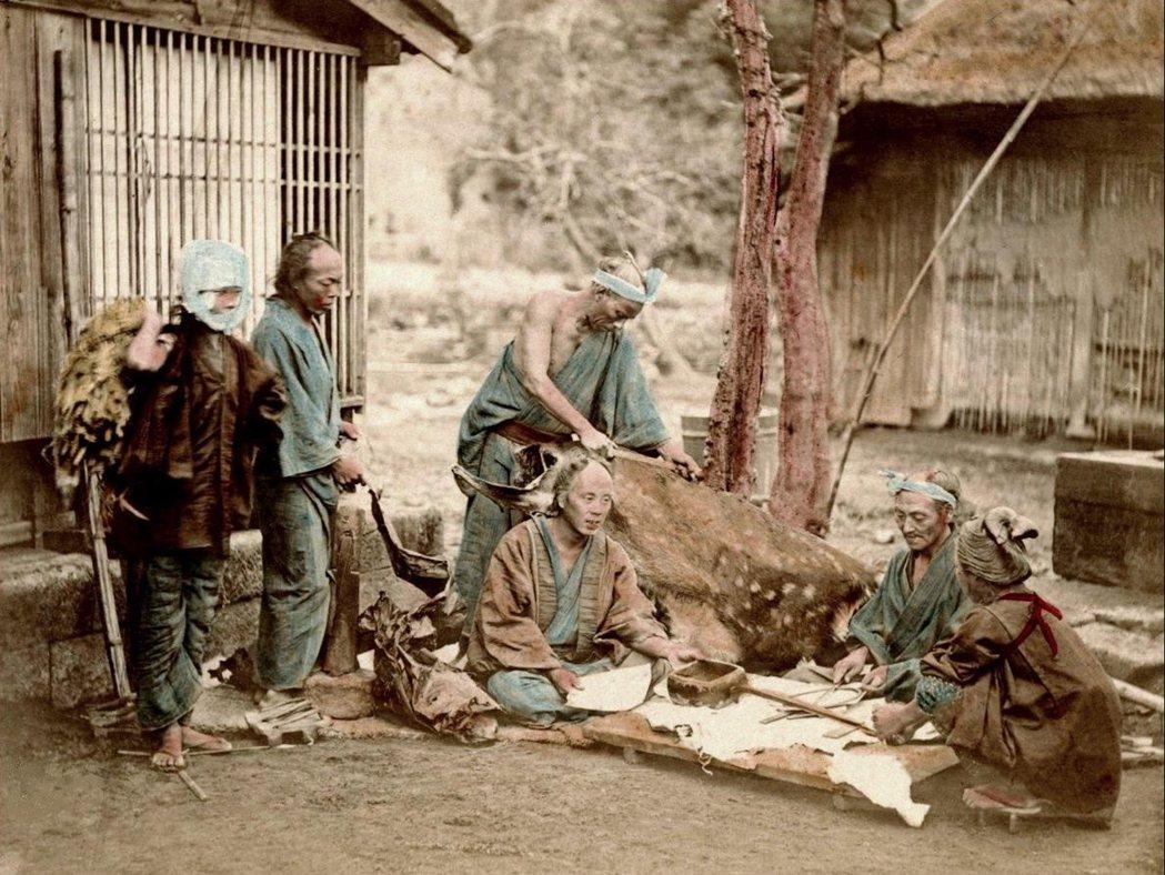 另一種說法是,日本佛教禁止殺生殺生的思想,讓大家開始看不起主要以殺生為業的族群,...