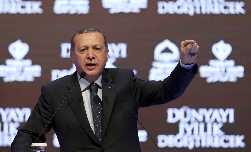 土耳其總統厄多安12日呼籲國際組織制裁荷蘭。(美聯社)