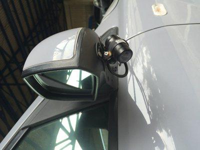 路考車輛一定要加裝行車紀錄器,在車前、車後、車內及車身兩側,至少要裝5個鏡頭。 ...