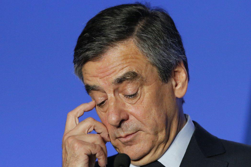 法國總統候選人獲贈數萬歐元西裝 費雍惹議03-14 07:46250
