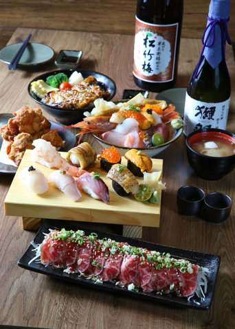 双魚握壽司,海底總動員,照燒雞蓋飯,和風生牛肉,唐揚炸雞。