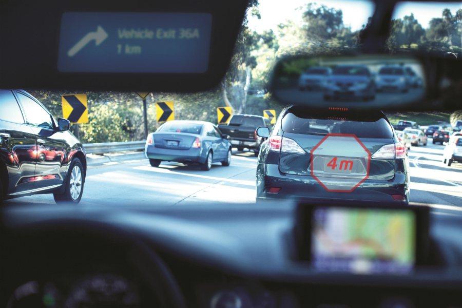 Intel 預估,到了 2030 年時,車輛系統、數據與服務市場的價值將高達 700 億美元(折合台幣約 2.2 兆)。 摘自 Carscoops