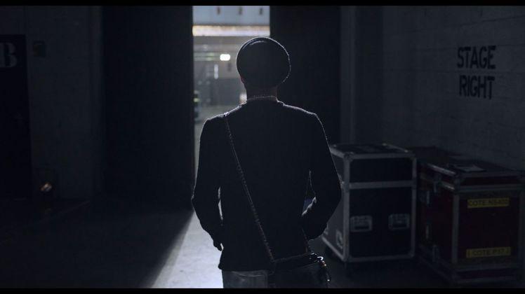 菲瑞威廉斯則是透過導演Antoine Carlier視角,自在玩耍於演唱會館場中...