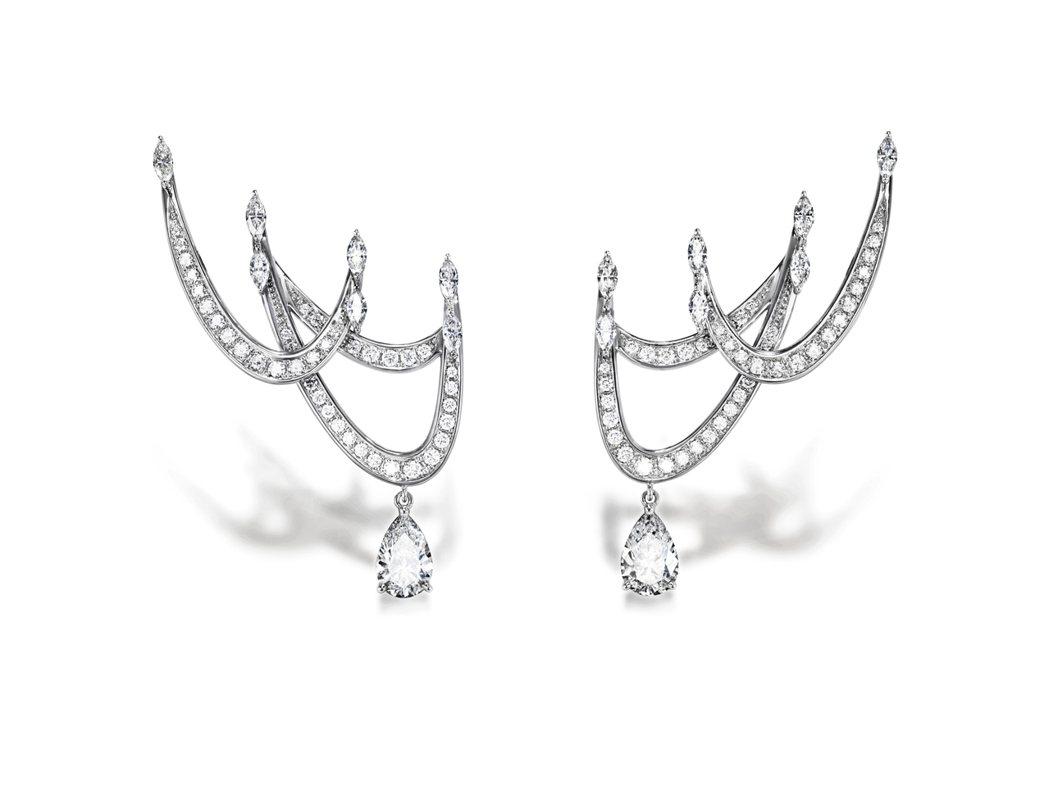 RITZ_PARIS_par_TASAKI_1898鑽石鉑金耳環,403萬元。圖...