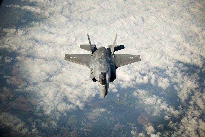 圖為具備垂直起降能力的美國海軍陸戰隊F-35B戰機。 圖/取自美國國防部