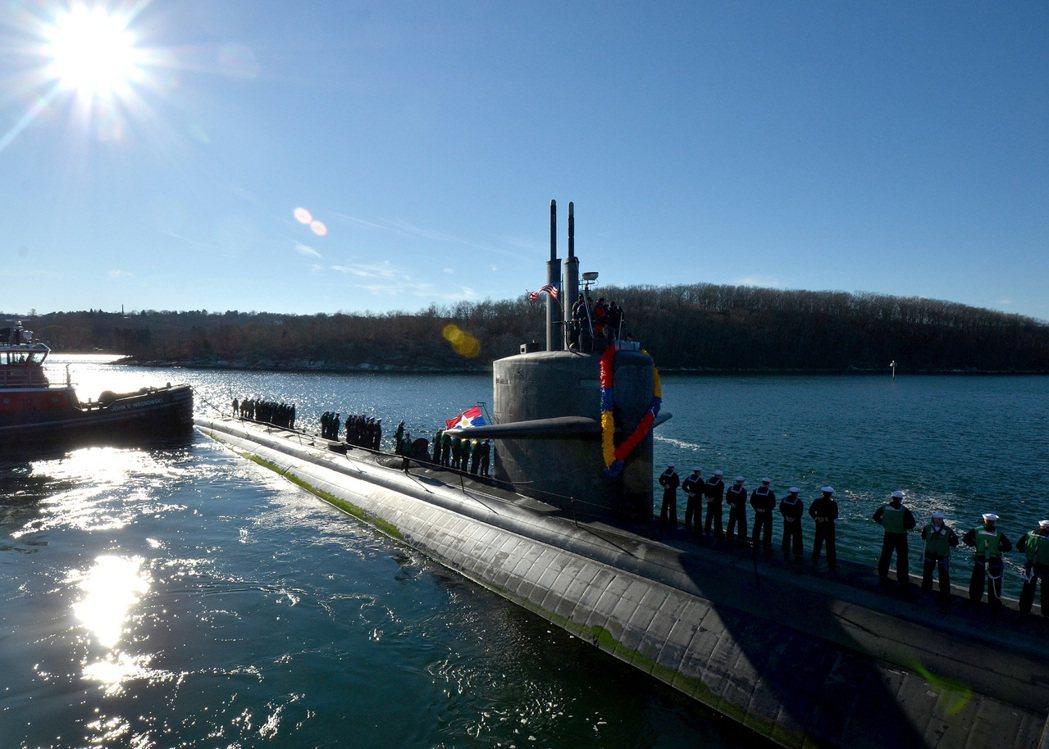洛杉磯級核動力攻擊潛艦在1980年代加裝海基戰斧飛彈,具備攻擊蘇聯內陸目標的能力...