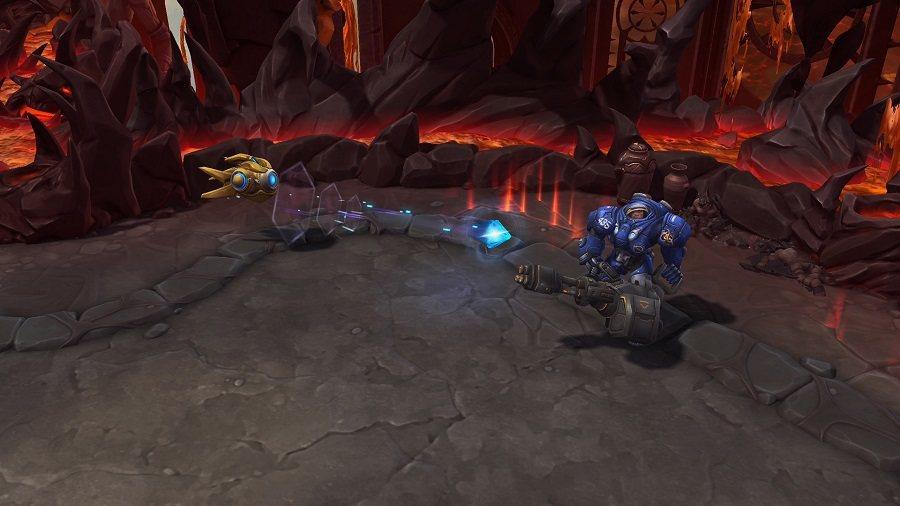 「崩解脈衝」將向前方發射一道能量脈衝,並對路徑上敵人造成傷害,可搭配空間裂隙使用...