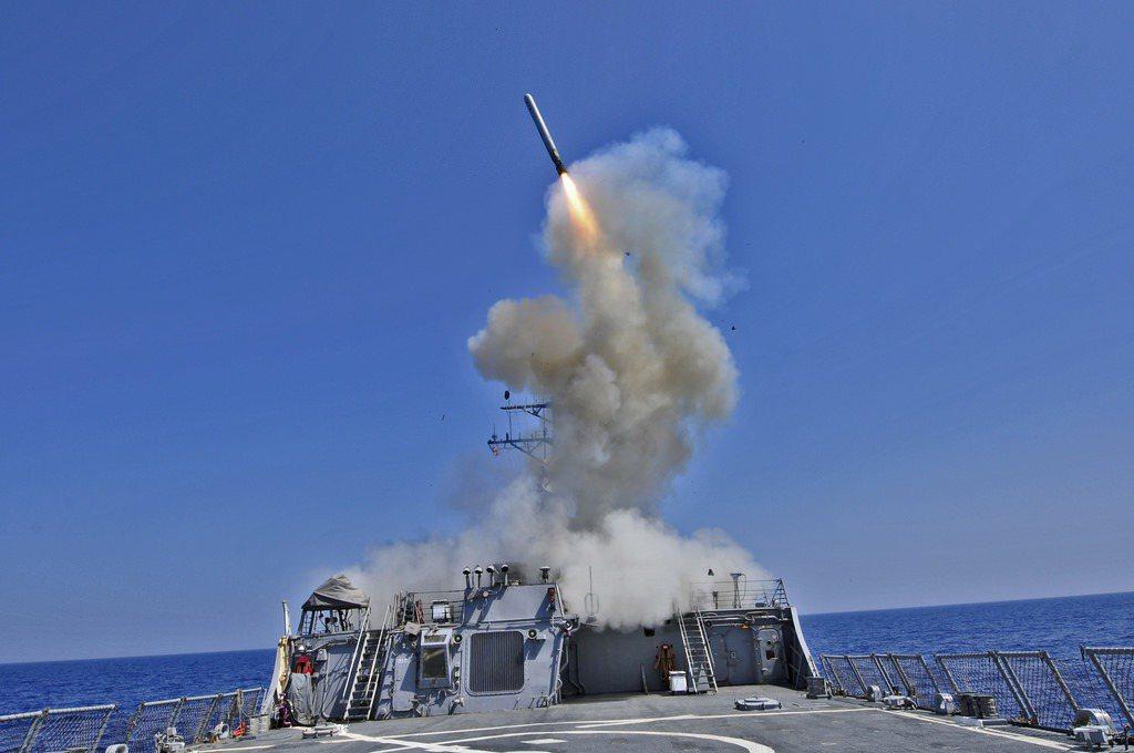 反艦型海基戰斧巡弋飛彈(Tomahawk cruise missile)約465...